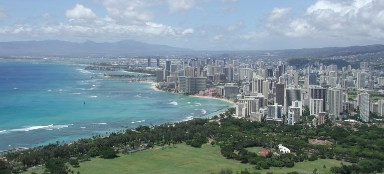 Honolulu awaits - let us make Moving to Hawaii from California a breeze