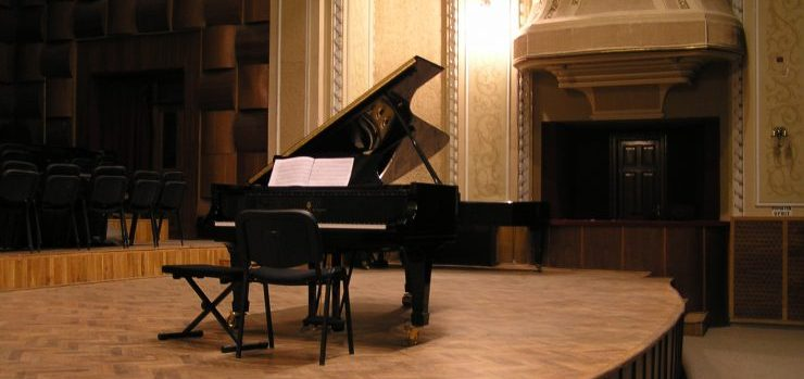 Our piano movers Los Angeles are qualified and well-trained to handle any type of piano