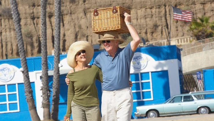 With our senior moving CA services, you will be able to stroll your new Cali neighborhood in no time.
