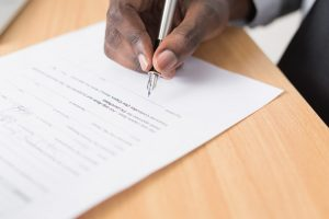 signing the contract is another smart way to avoid fraudulent movers