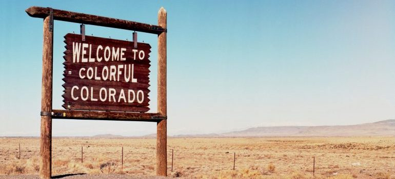 Welcome to colorfull Colorado sign