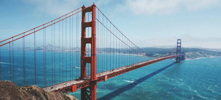 Moving from Washington to California is much easier with professionals by your side
