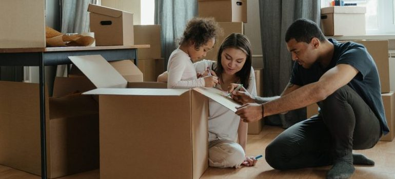 moving-boxes-family