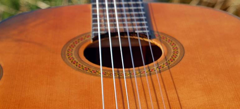 image of guitar