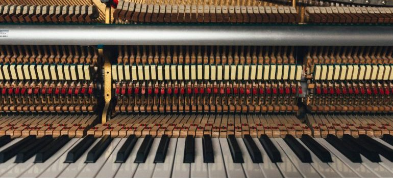 piano movers Seattle will move your piano