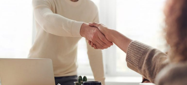 people handshaking