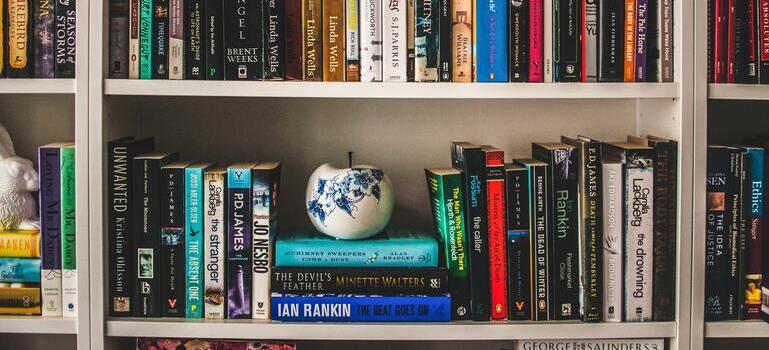 organizing tips for your bookshelf