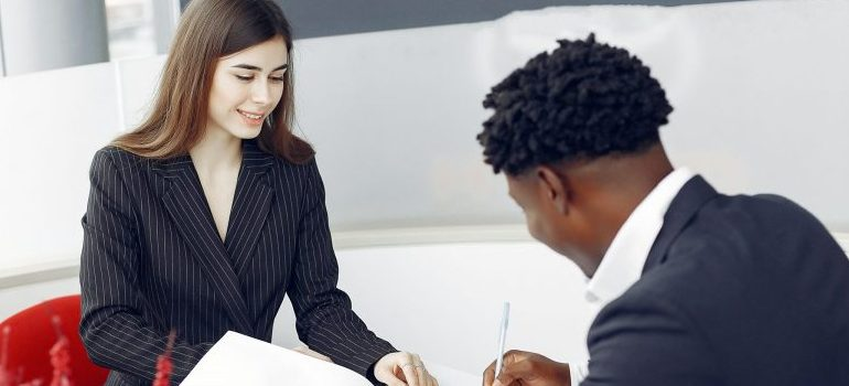 diverse-buyer-and-agent-signing-papers