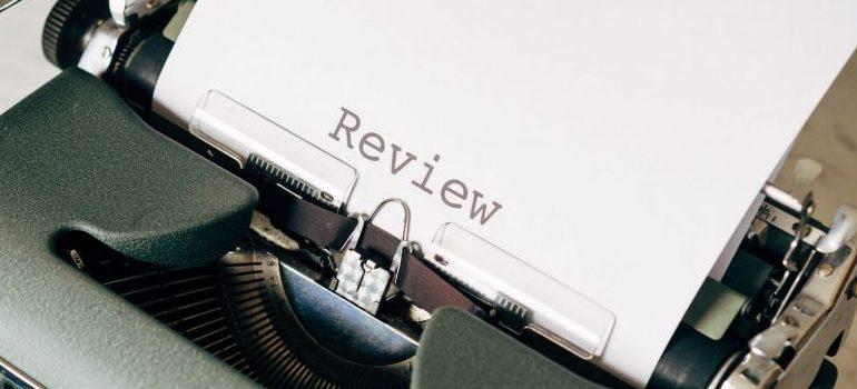 black-and-white-typewriter-on-table