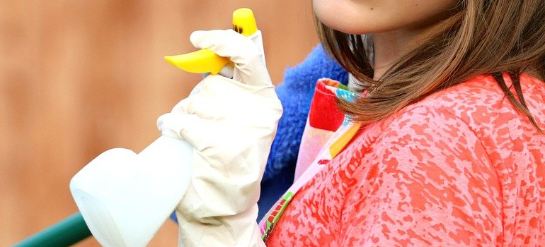 cleaning kit you can use before Housewarming in the coronavirus lockdown