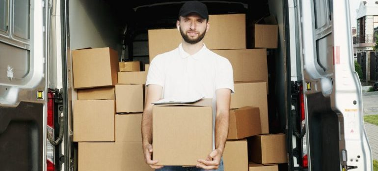 not hiring professional movers is one of the moving mistakes you should avoid