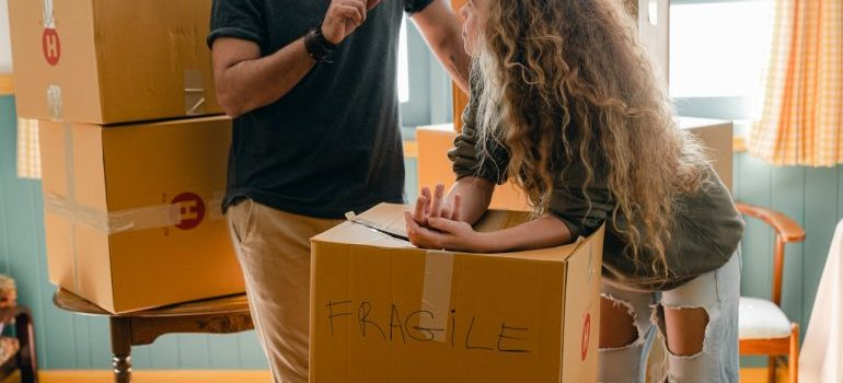 People pack things in boxes